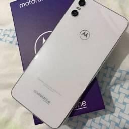 Motorola one 62 gb semi novo