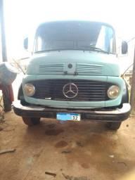 Caminhão 1113 com basco