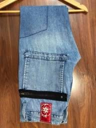Linda Calça Jeans da Olium TAM. 40/42
