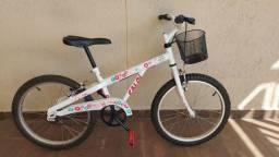 Bicicleta Caloi Ceci infantil aro 20 - muito conservada