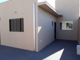 Casa em condomínio com armário, fogão, 1 quarto. Próximo UFMS. Jd das Nações