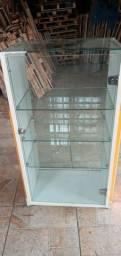 Balcão de exposição e vitrine