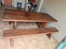 Reliquia - Mesa 8 lugares em madeira maciça grapia.