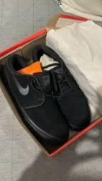 Tênis Nike Janoski