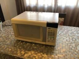 micro-ondas electrolux usado