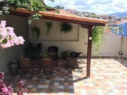 Linda Casa Reformada em Lambari-MG