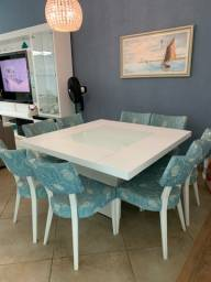 Mesa de jantar 8 lugares com as cadeiras