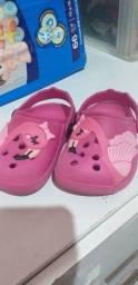 Desapegando sandalinhas de bebê.todas por 50$