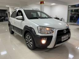 Etios Cross 1.5 Manual 2015