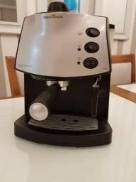 Cafeteira cafe expresso semi nova,troco por ps2