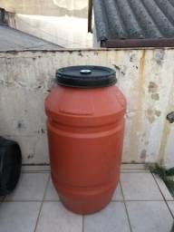 Bombona 270 litros reforcada com tampa grande