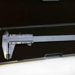 """Paquímetro Universal Em Aço Carbono 150x0.005mm/6"""" Kingtools"""