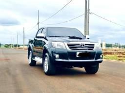 Toyota Hilux srv automática - 2012