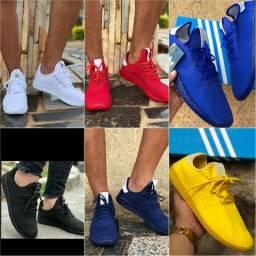 Tênis adidas hu