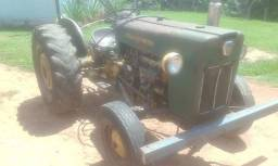 Trator Ford 4 cilindro