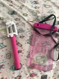 Vendo kit de pau-de-selfie e protetor de celular para água