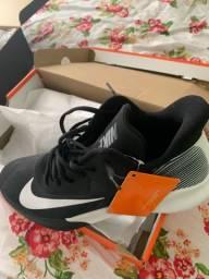 Tênis Nike basquete/Voley/handebol