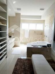 Casa com 3 quartos - Sendo 3 Suítes  - Em Palmas - 303 Sul - Arse 31
