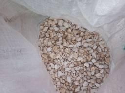 Pedra granilha branca jardim