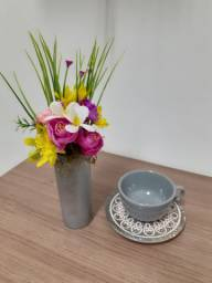 Vaso de flores artifiais