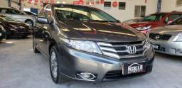 Honda City 1.5 automático vendo troco e financio R$