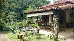 Casa c/3 Quartos em Nogueira em condomínio