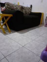 sofá e móveis amarelo