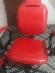 Cadeira novinha 350