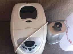 Vendo máquina de panificadora  de fazer pão e várias funções