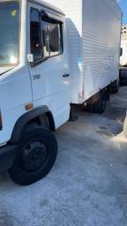 Título do anúncio: Baú para caminhão 3/4 com cabideiro