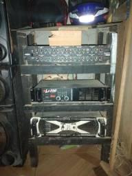 Duas caixa de som grande