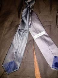 Terno com duas gravata