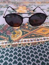 Óculos de sol :