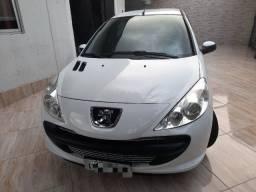 Peugeot 207 hb  xr 1.4  2010