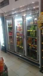 Geladeira industrial - mercado - refrigerantes - iogurtes