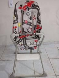 Cadeira de alimentação usada