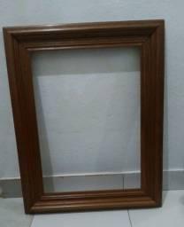 Moldura de quadro em madeira