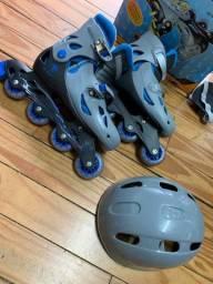 Patins azul com capacete