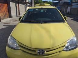 Taxi com autonomia Antiga