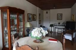 Título do anúncio: 048  -  Apartamento no Alto  -  Teresópolis  -  R.J:.
