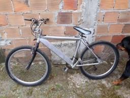Bicicleta toda de alumínio