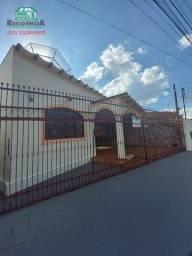 Casa com 3 dormitórios para alugar, 118 m² por R$ 1.200/mês - Vila Miguel Jorge - Anápolis