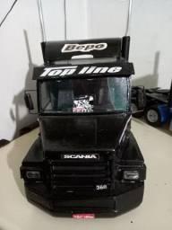 Scania 113 H 1/14 de madeira.