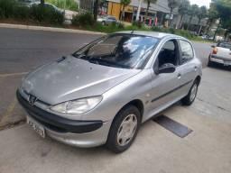 Peugeot 206 selection 2002 ar condicionado vídeos e travas eletricas