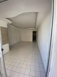 Alugo apt de 3 quartos sem mobília em boa viagem R$:2.700