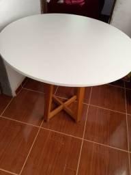 Mesa linda por 300 reais  mt barata nova