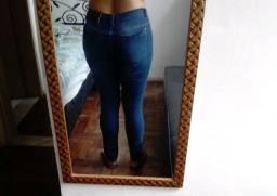 Linda calça jeans semi nova