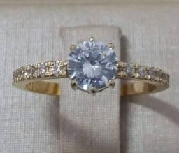 Título do anúncio: Anel solitário com diamantes sintéticos em ouro 18k