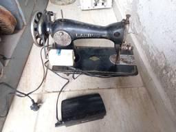 Maquina costura  antiga  .Leia a  abaixo
