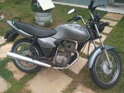 Cg Titan 2002